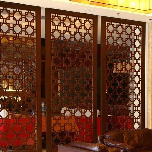 Faux-Iron-Wall-Divider